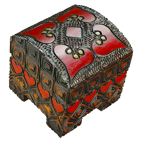 4 Hearts (♥), 1 Diamond (♦) - Polish Wooden Box